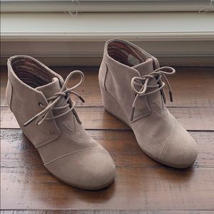 Toms suede wedge ankle booties. Color taupe 6.5